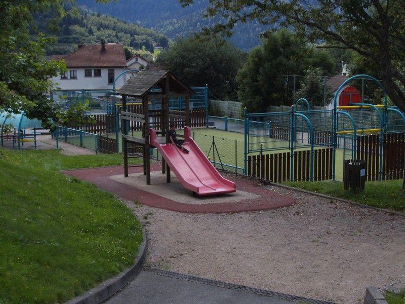 Playground at saint maurice sur moselle lorraine tourisme - Office de tourisme moselle ...