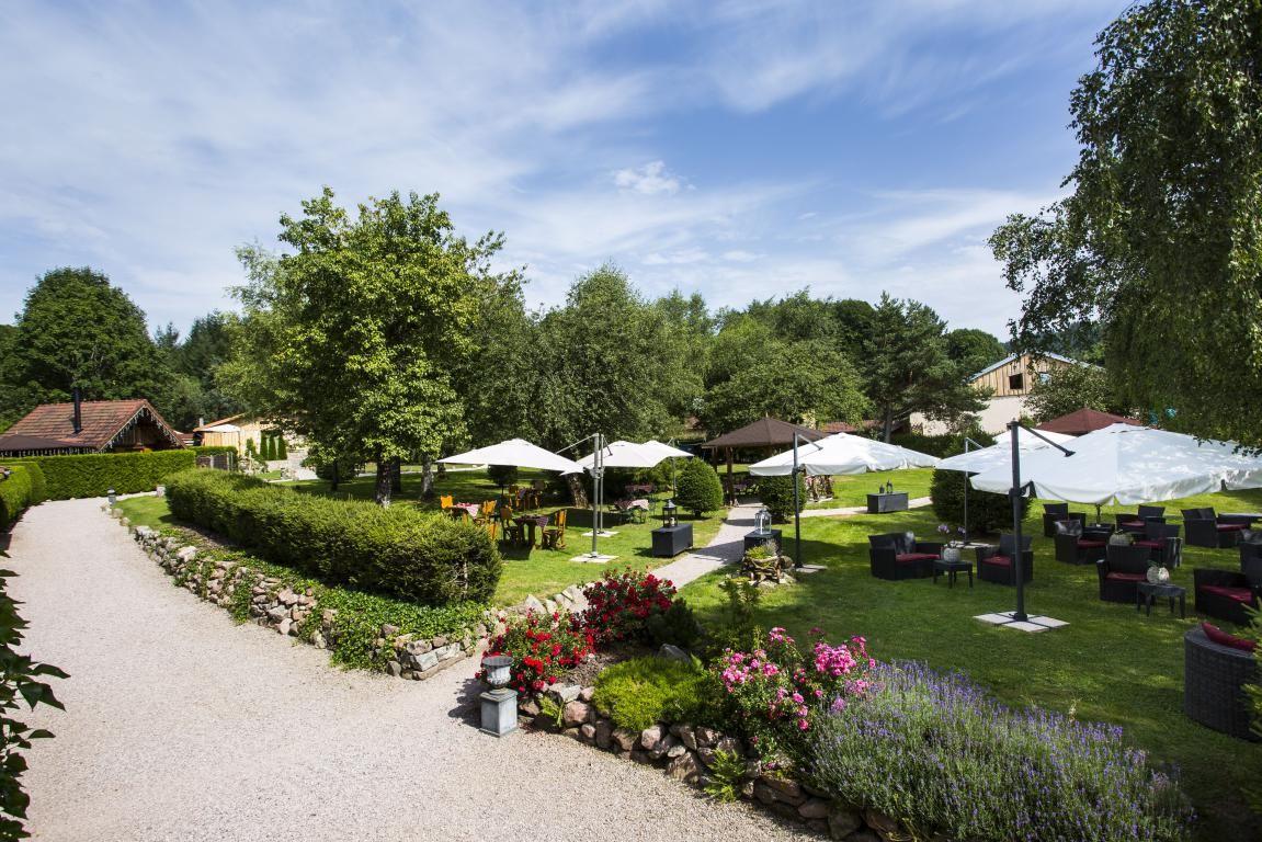 Domaine du Haut Jardin Hotel  Chalets Spa Prive Corcieux France