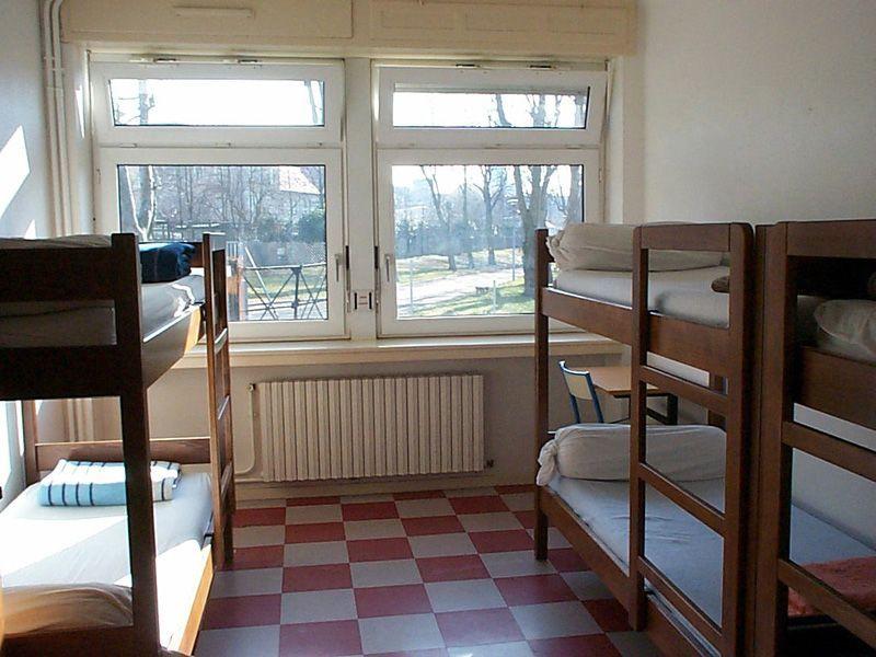 auberge de jeunesse de metz lorraine tourisme. Black Bedroom Furniture Sets. Home Design Ideas
