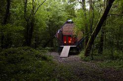 Matali Crasset, Le Nichoir. Vent des Forêts 2011. ©Marine Calamai